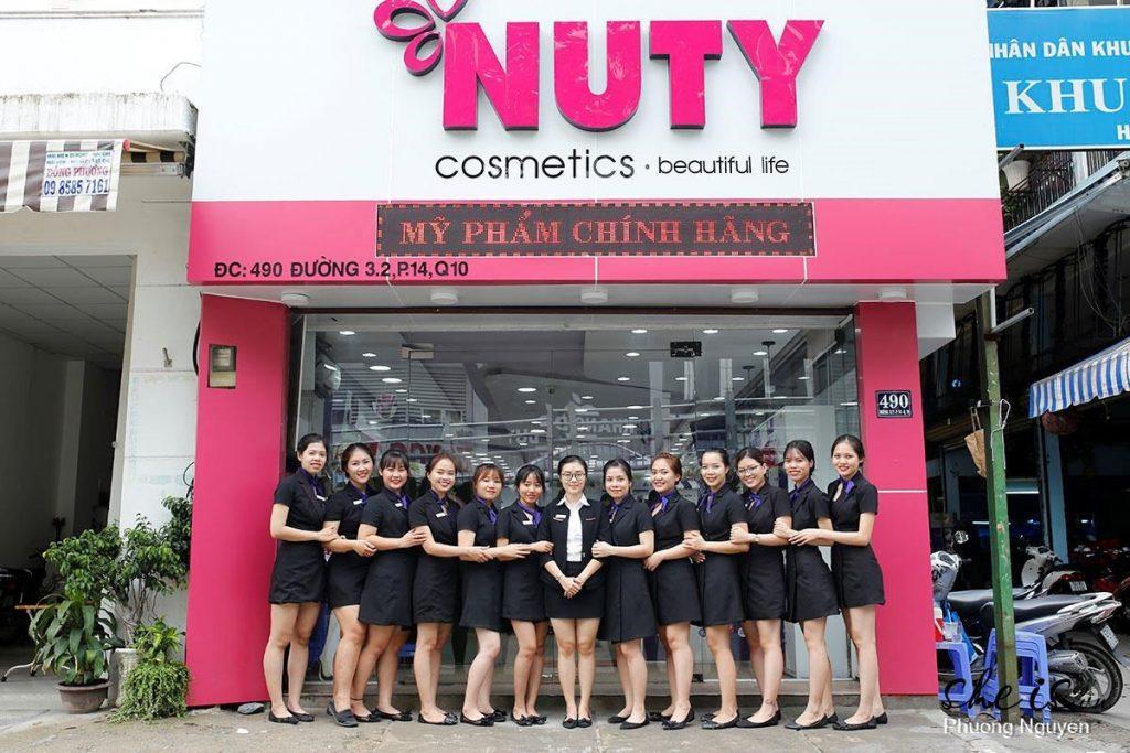 Nuty Cosmetics có bán hàng fake, bán hàng giả không